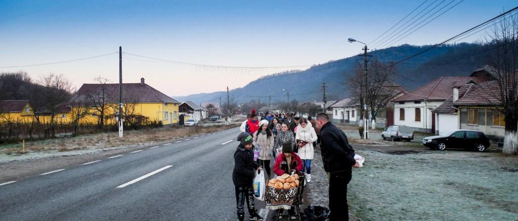 Obiceiuri si traditii in comuna Zavoi (4)